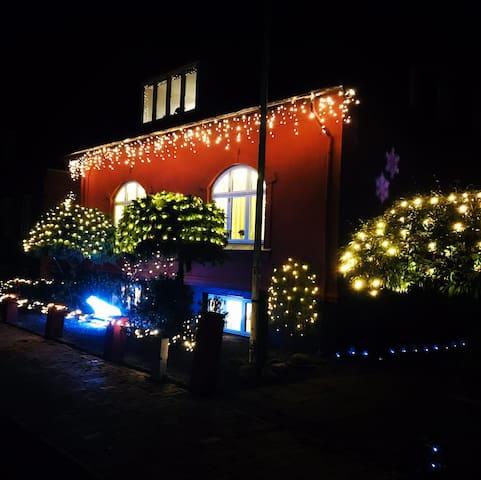 Familievenlig villalejlighed centralt i Nyborg by