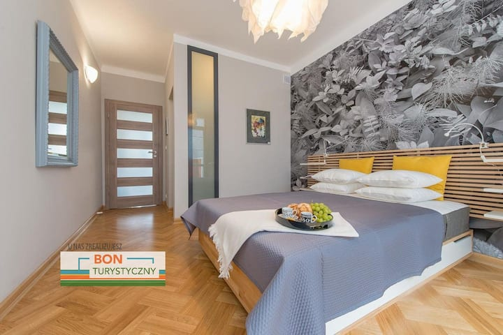 Modern and Bright Apartment •Old Town •BR