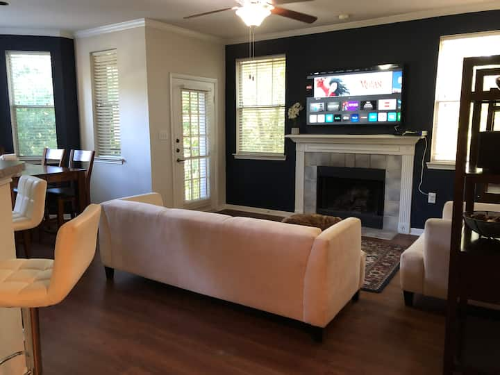 Perfect Cozy Townhome in the Heart of Kingwood