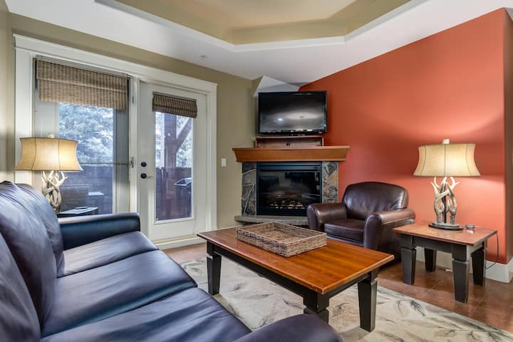 ✪Modern Luxury Condo in Heart of Canmore✪