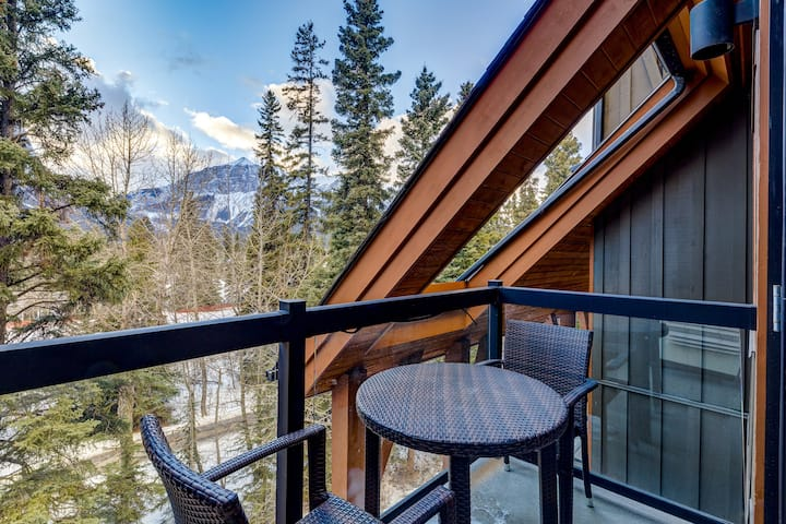 ✪Perfect Luxurious Condo in Heart of Canmore✪