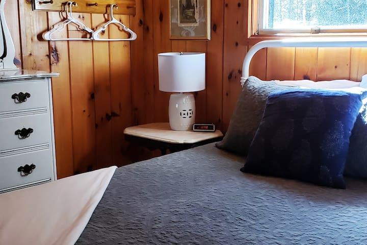 Main Level Bedroom Queen