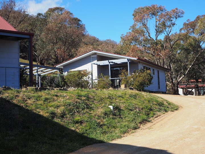 Kangaroo Cottage Vineyard Stay