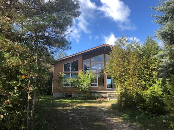 *** NEW *** Private Lakefront Cottage!