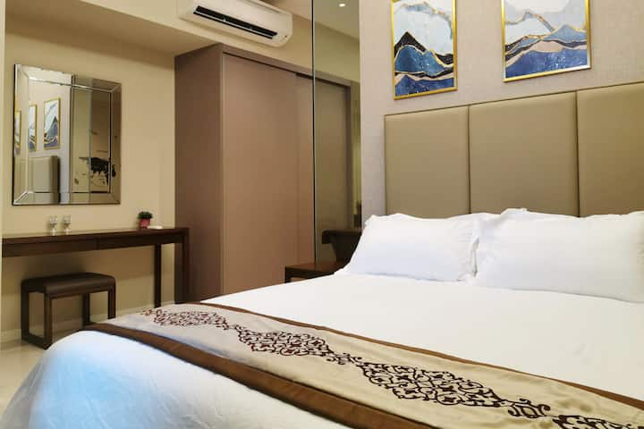 4 Star Luxury Serviced Apartment - 8 Km to City