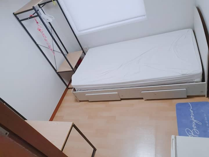 Hongik Univ Stn 3 min, small room, private room #1