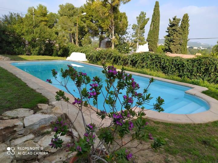 Vila Els Massos, Jardin, Piscina y Jacuzzy Privado