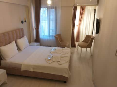Butik Otelde temiz bir odada konakla.Kadıköy Rıhtm