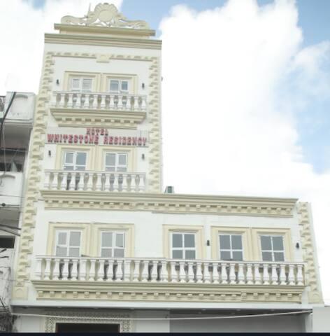 Hotel Whitestone Residency