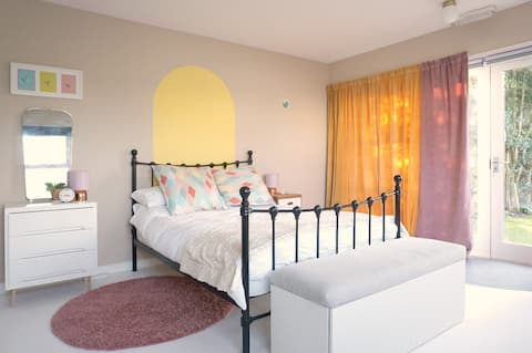 The Scouring Pad, a creative apartment in Dunblane