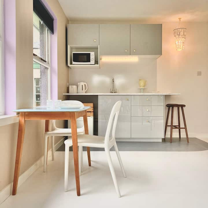 The Scouring Pad, a creative studio apartment