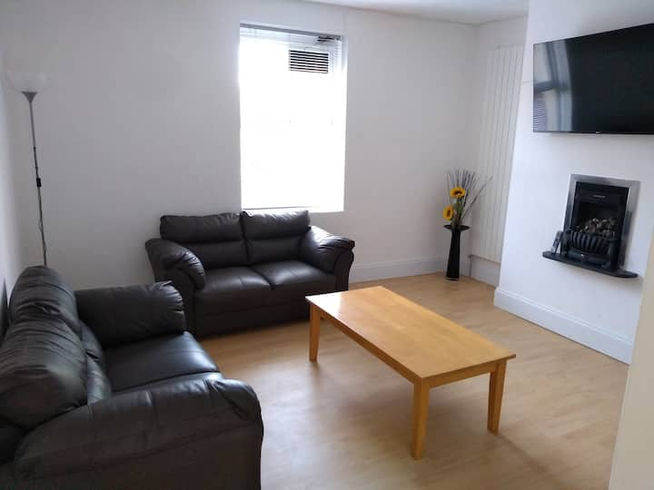 St.  Andrews  2 Bed Garden Flat