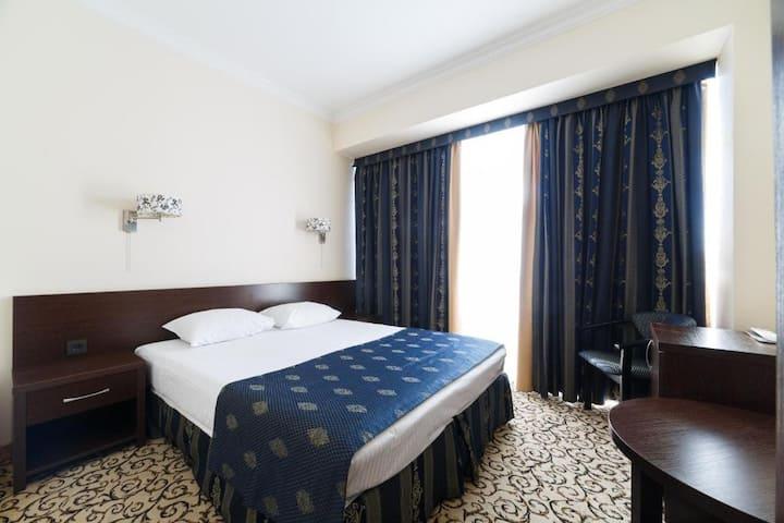 Отель Алтай - Делюкс с видом на город
