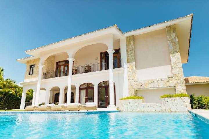 Villa Madonna Cocotal Golf