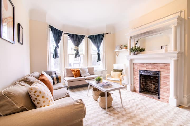 Charming Potrero Apartment with Home Office, W/D!