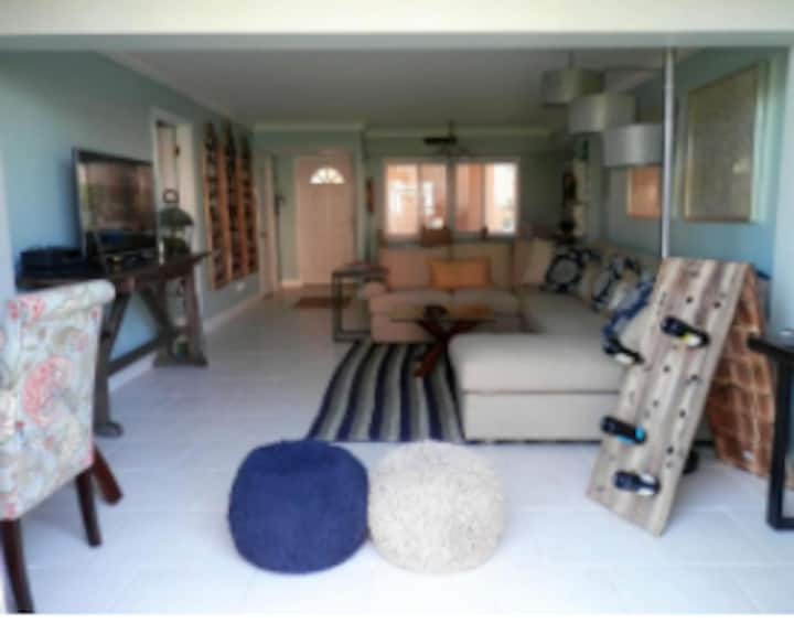 Beach Apartment+Amenities, Ocean Village, Capstan