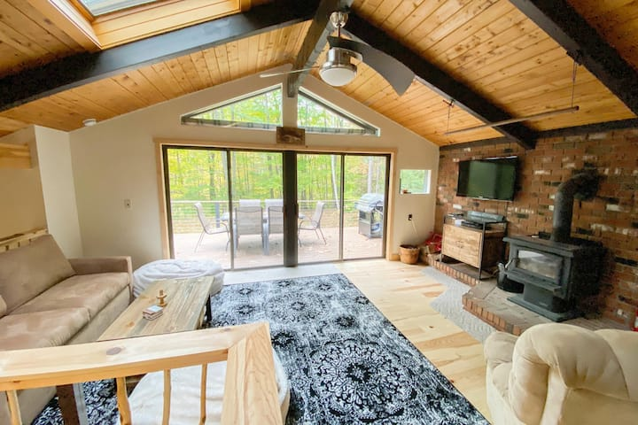 Cozy Chalet, Close to N. Conway, 5 min to Attitash