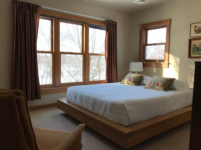 Second master bedroom with shower only
