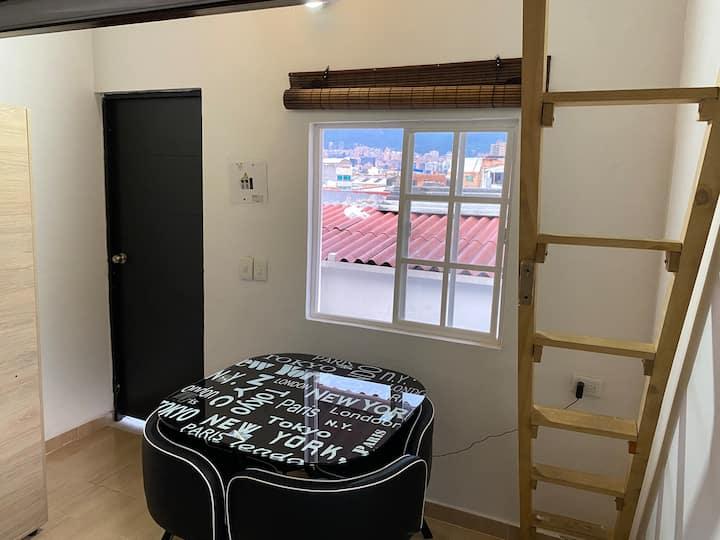 ¡Hermoso alojamiento loft, privacidad total!