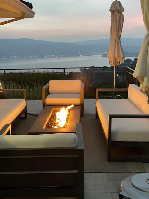Chic retreat with stunning views of San Fran Bay.