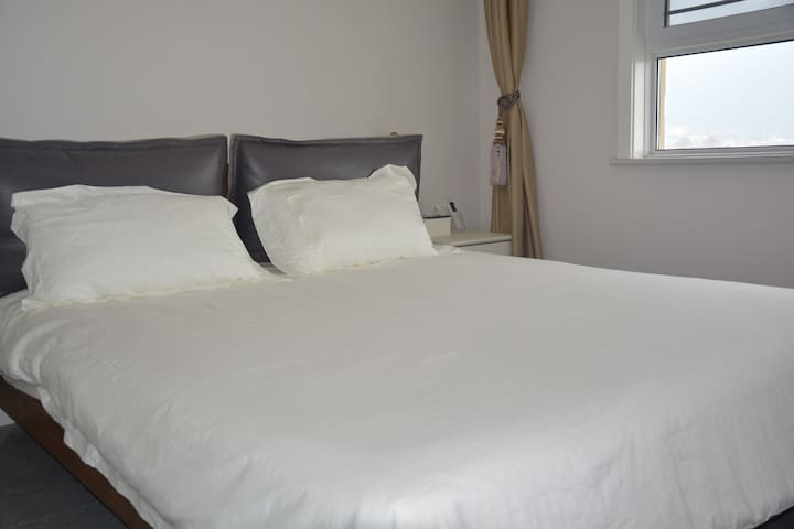 雅芳婷全棉被,红豆被,顾家床,雅兰床垫。