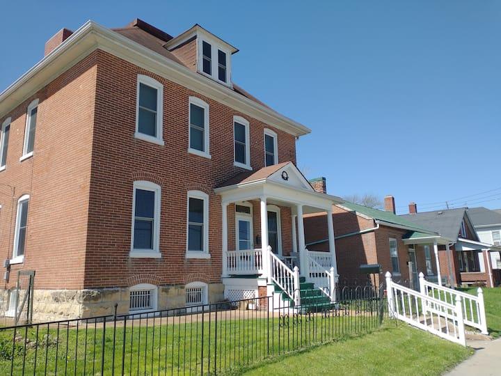 Historic Hawley House, Beautiful & Modernized