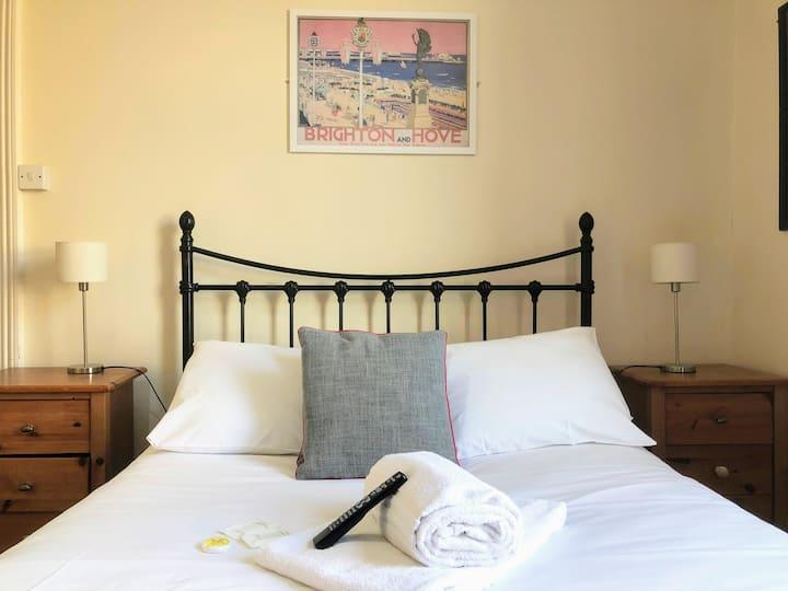 Double En Suite Private Room in Brighton!