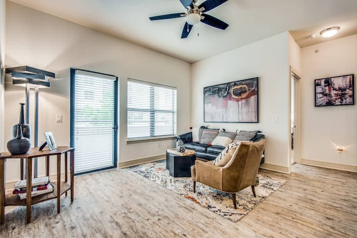 A place to call home | 1BR in Addison