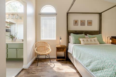 The Beau Nest | Charming Studio near Oak Glen