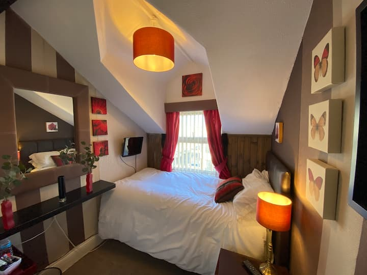DeLovely Single Room with En-Suite