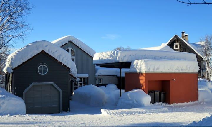 Romslig hybelleilighet sentralt i Lillehammer