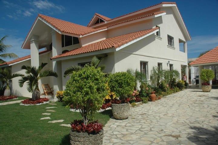 For Rent large Villa 5 beds, 4 baths Sosua CR
