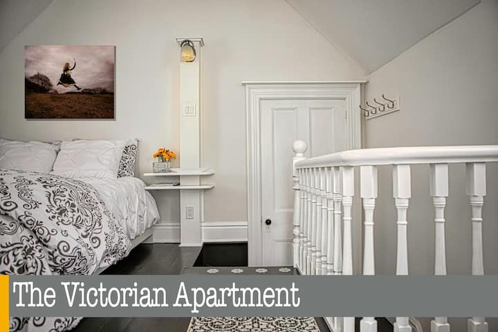 The Victorian Apartment in the heart of Elora