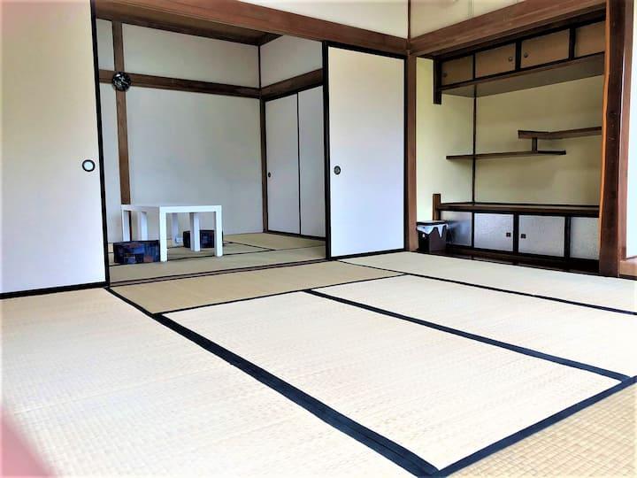 長野県宮田駅前ゲストハウス宿屋DOYA・高速バス停徒歩7分・個室5部屋-5洋室14畳定員1~7名まで