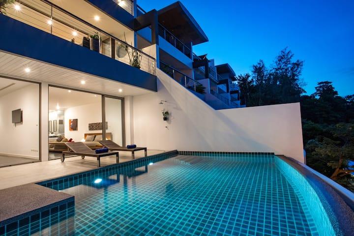 Full Patong Bay Seaview Villa, 3BR, Romantic Style