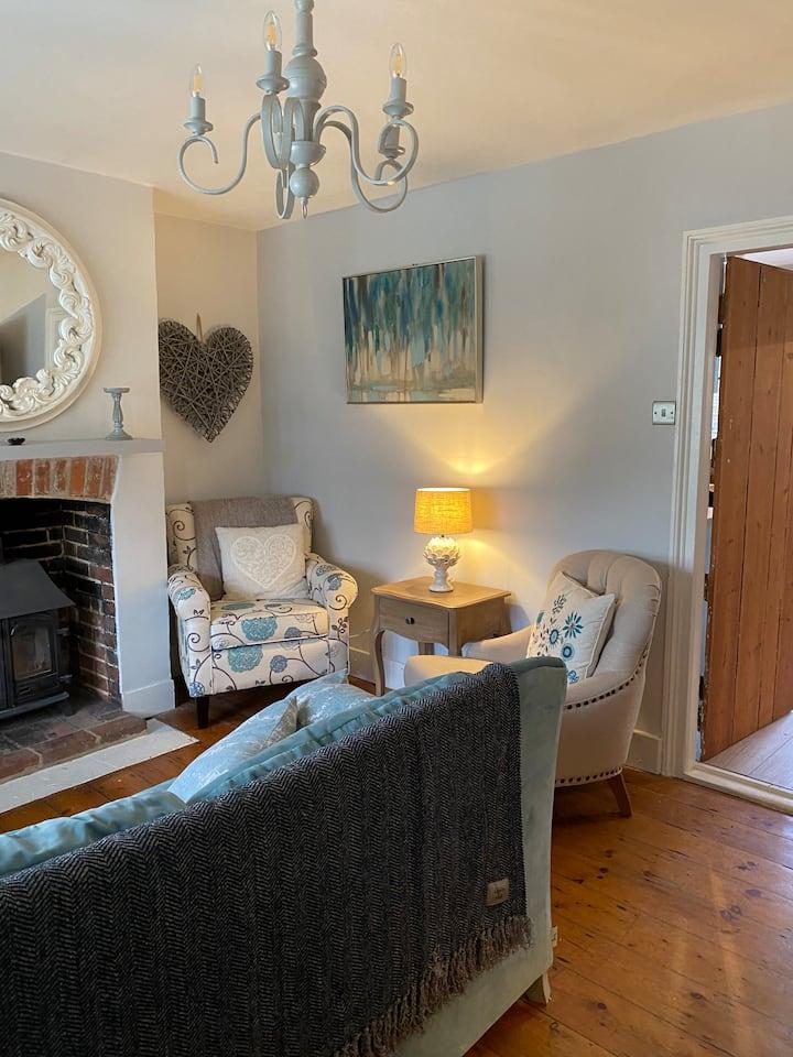 Angel Cottage, Boxgrove - Relax & Unwind ...