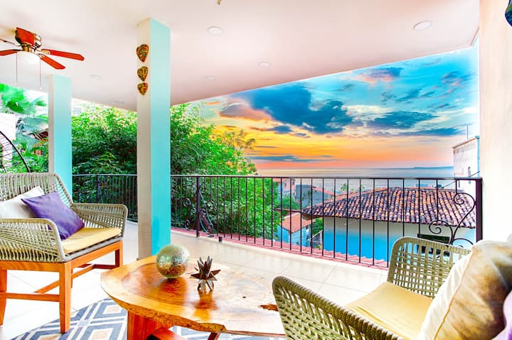 Beautiful Sunsets from your Terrace ! Boardwalk PV