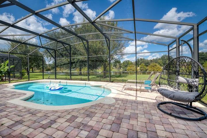 3BR Villa • Private Pool, Game Room, Lake View