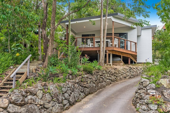"COASTAL COLLECTIVE - Byron Bay, The Lodge"""
