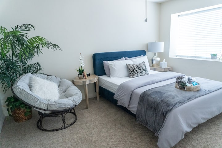 Luxe Stay Mins from Beach - Spa Themed - Encinitas