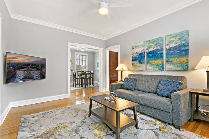 1-Bedroom Creative Design Bright Sunny Apartment