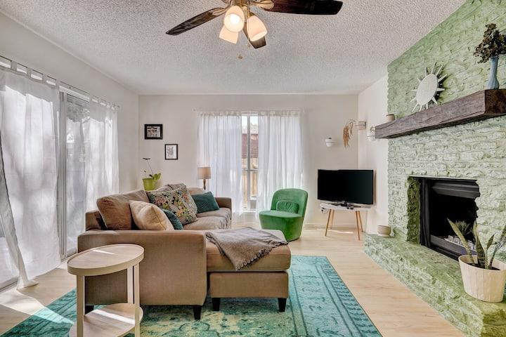 Relax in Vibrant Austin Casa | Spacious |