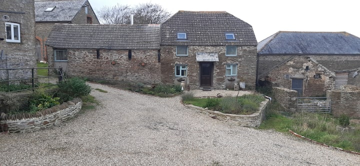 Tranquil comfort , barn conversion with sea views