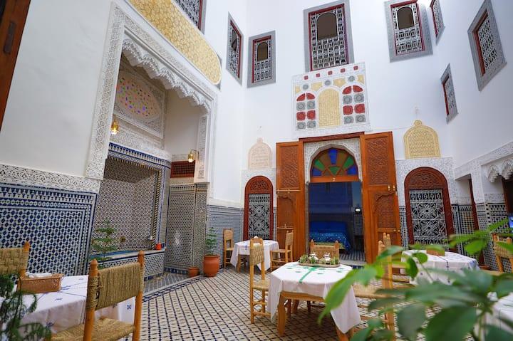 chambre Damia a Riad fes opera