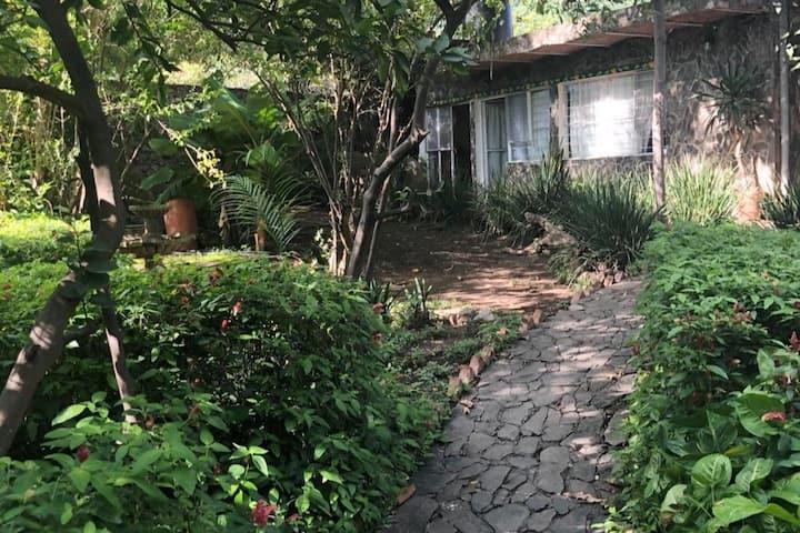 """Habitación privada  #1 """"La casa de los mangos """""""