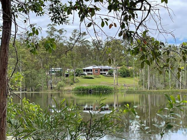 Lake House on 5-acre lake in Noosa Hinterland