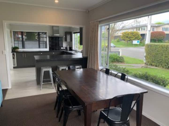 Tranquil Taupo Cottage