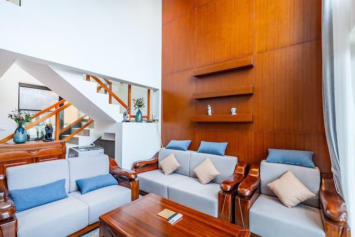 近免税店200平米超大双层loft4房-15R