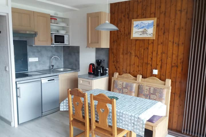 Renovated flat, south-facing balcony, WIFI, Tignes