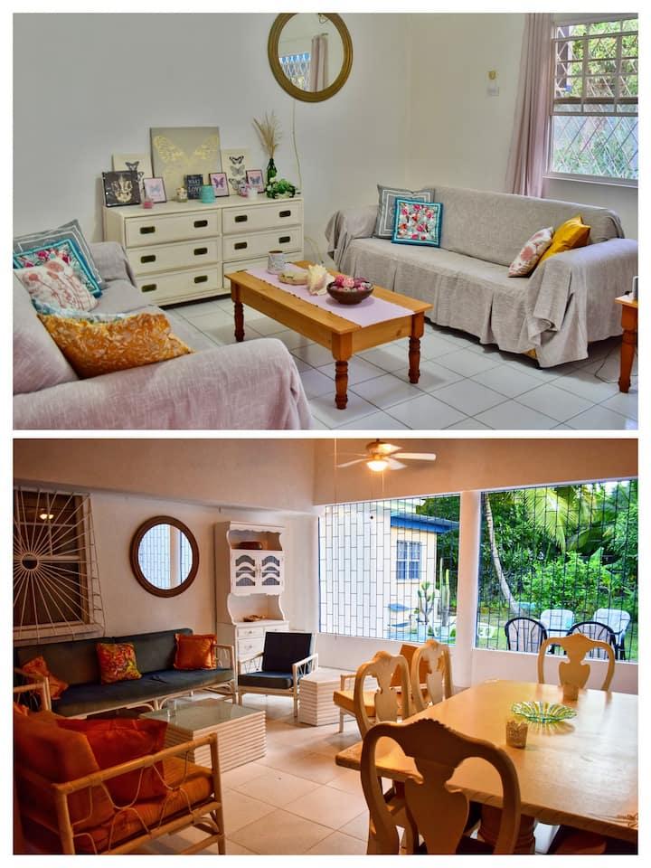 Dover Beach - Kismet Garden Cottages sleeps 10+